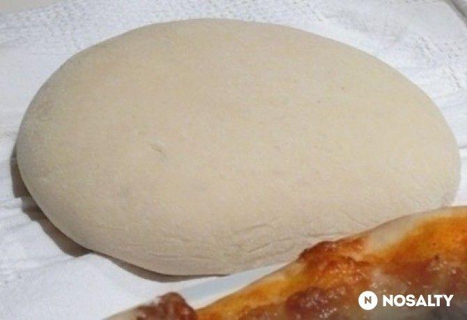 Pizzatészta, paradicsomszósz