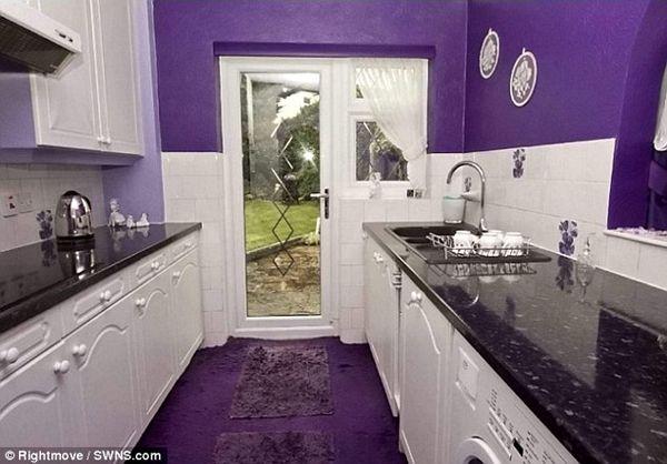 Rumah ini terlihat seperti rumah biasa yang sedang dijual. Sampai Anda masuk ke dalam dan melihat bagian dalamnya. WOW… - Luar Biasa