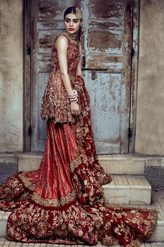 0e8c05379 Pakistani Bridal Dresses for Barat Day In Red Color | H A S E E N S ...