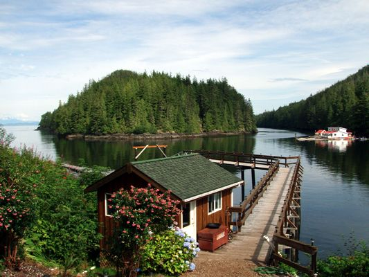 Duval Point Lodge. Salmon & Halibut Fishing! Port Hardy, Vancouver Island, BC British Columbia, Canada