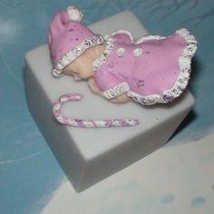 Bébé fille noël rose pâte fimo