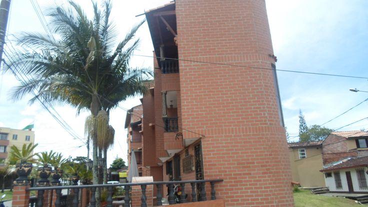 bloque de 3 plantas 400 mts en venta ubicado en rionegro ant. barrio san antonio de pereira  vivienda  precio; $800,000,000 in fo; 3147599355