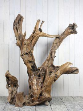 Houtsculptuur 58-1 GJ. Mooi en discreet voor zowel binnen als buiten in uw achtertuin. De urn kan worden geplaatst in een holle sokkel. Zie ons gehele assortiment op onze website https://www.gedenkornamenten.nl/houtsculpturen. Neem bij vragen gerust contact met ons op.