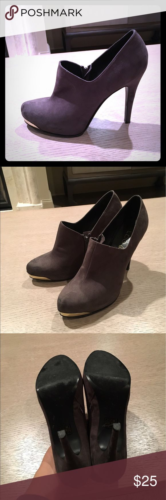 Suede ankle boots Very comfortable ankle boots in great condition Aldo Shoes Ankle Boots & Booties