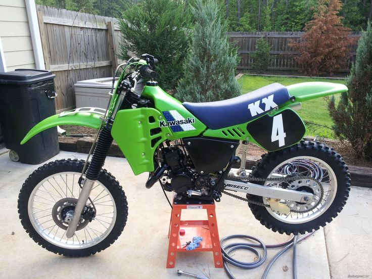1984 kx 125 insane 2 stroke power for it 39 s size dirt. Black Bedroom Furniture Sets. Home Design Ideas
