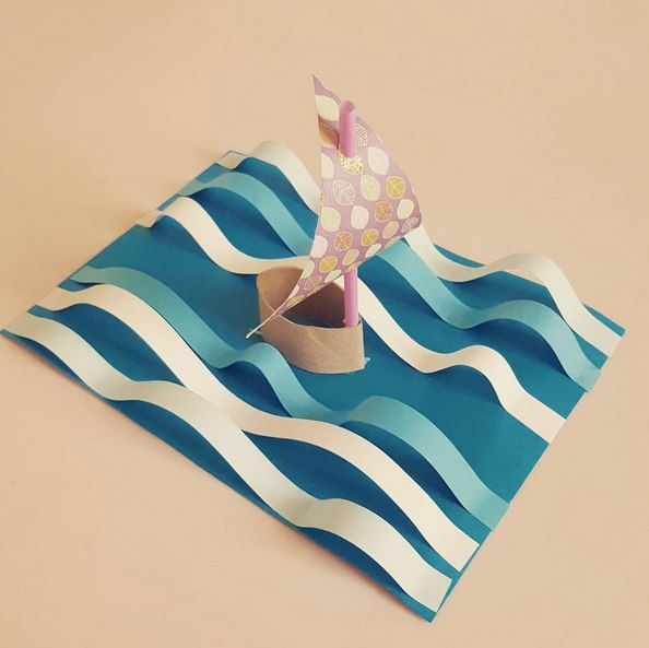 I love the sea- so effective. Obviously the strips need to be cut from a larger bit of paper than the base.