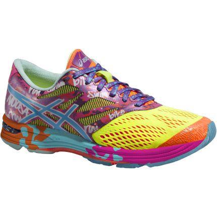 Su diseño llamativo convierten a las Asics Noosa en un referente en cualquier triatlón. http://www.wiggle.es/zapatillas-de-triatlon-para-mujer-asics-gel-noosa-tri-10-pv15