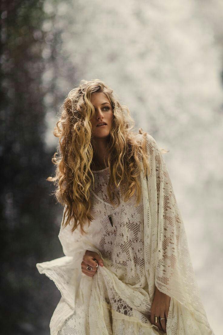long wavy blonde hair | hair | boho hairstyles, boho wedding