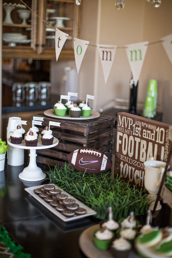 Prev pinner said: Love this football themed birthday party from thetomkatstudio.com! Our little boys would LOVE this. And our husbands, too ;)