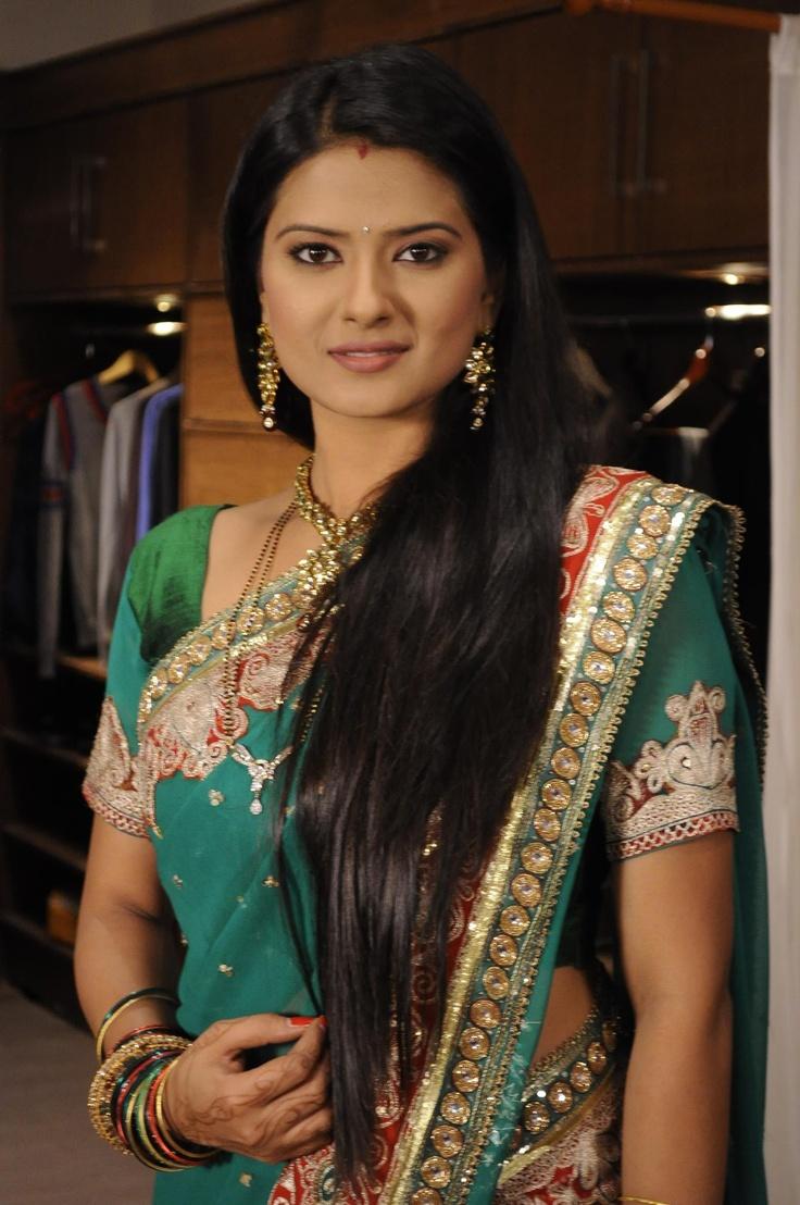 Aarti - Punar Vivaah (Sat - Wed @ 11PM)