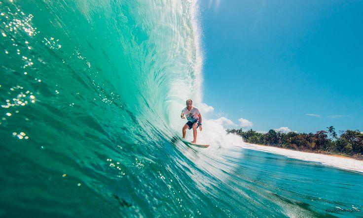 Ian Fontaine surfeur pro de chez Billabong. Ian nous raconte son parcours dans le surf de haut niveau mais ses passions et voyages. Advices à la clé !