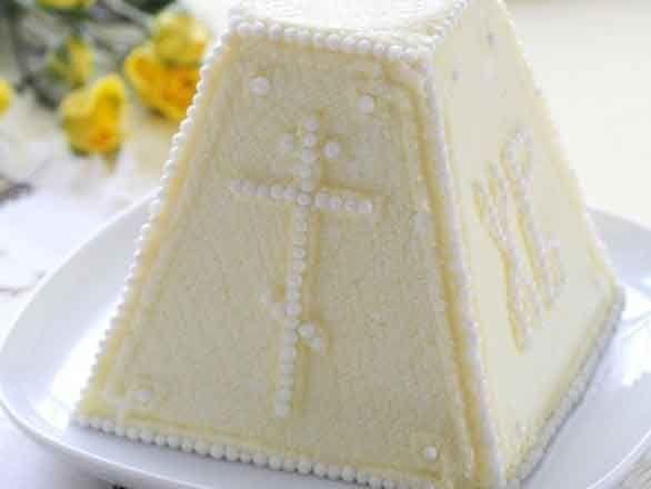 Творожная пасха печеная Ингредиенты: творог 1 кг сливки жирные 50 гр. цукаты изюм мука 110 гр. яйцо 8 шт. сахар 170 гр.