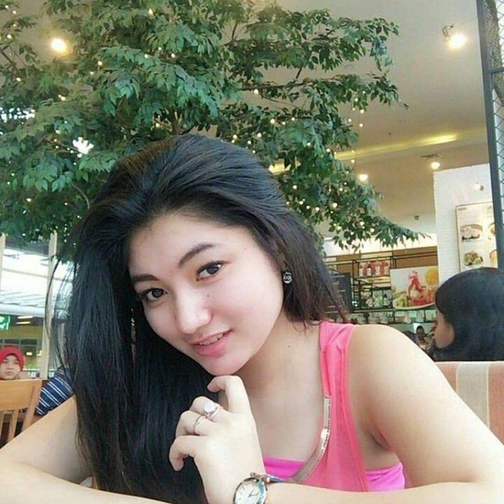 Follow instagram @selebgramhotindonesia kumpulan cewek cewek seksi tete gede indonesia, yuk follow & share ❤️❤️❤️❤️ #wanita #cantik #sexy #bigboobs #bisyar#cewekseksi #sexyhot #seksiindo #bispak #paptete #nenengede #toketgede #toketgede #cewekbisyar #semok #abgseksi #semokhot #cewekhot #hotseksi #hotgirls #girlssexy
