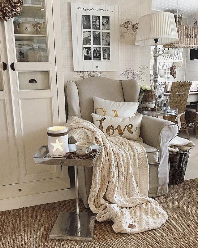 Lazy Sunday❤️ #rivieramaison #rivieramaisonlove #paradisetinterior #passion4interior #interior123 #interior125 #interiorandhome #interior4all #interior4you #wonderfulrooms #shabbyyhomes #inspiration #inspiroivakoti #finahem #hem_inspiration #myhappyplace