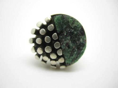 Reino Saastamoinen (FI), vintage modernist sterling silver ring with a zoisite stone, 1977.