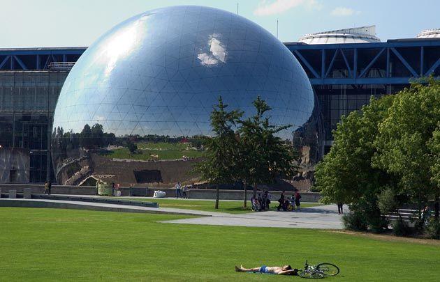 De la Villette à la bibliothèque François Mitterrand, une balade à la découverte d'un Paris différent et méconnu