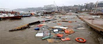 Antalya Limanı'nda tekneler battı