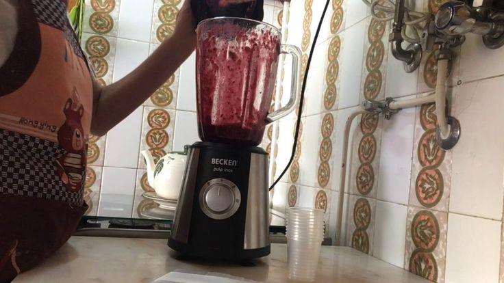 Gelado natural de frutos vermelhos (rápido e saudável) - YouTube