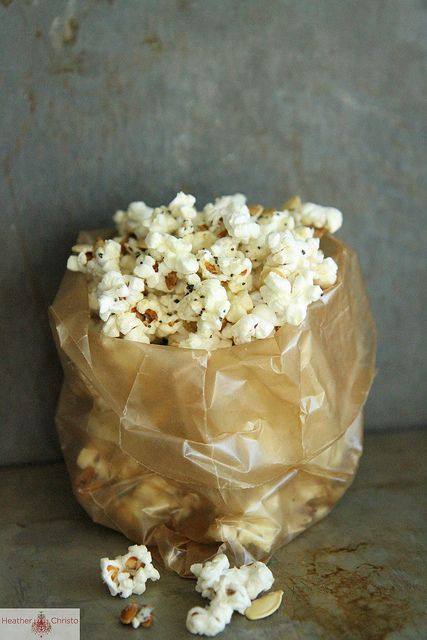 I want some Spicy Cheddar Popcorn Mix from @HeatherChristo!