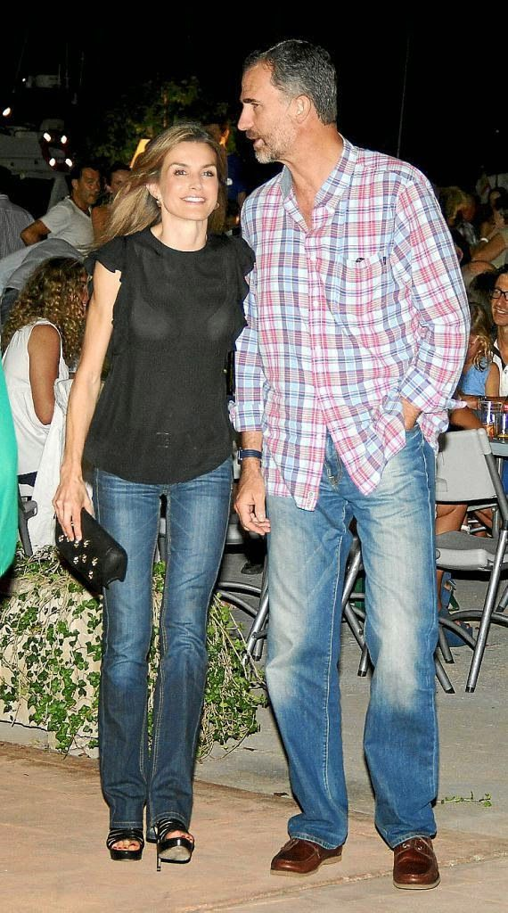 King Felipe & Queen Letizia were at a charity concert (by their friend Jaume Anglada) and dinner in Calanova (Mallorca) 30 August 2014