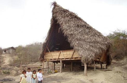 In a remote village in Ecuador, the Nueva Esperanza School is the first built with the needs of the community in mind, better facilitating education efforts and preserving the unique identity of the village by utilizing local materials and human resources.