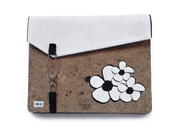 Custodia per tablet in feltro e sughero // Tablet case in felt and cork by CIKI-DESIGN via it.dawanda.com