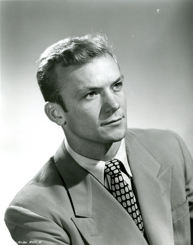 Aldo Ray Aldo Ray (né Aldo DaRe) (1926-1991) Frogman USN 1944-46 WW II. Entered the Navy at age 18 serving as a Frogman and participated in the invasion of Okinawa and many other Pacific landings.