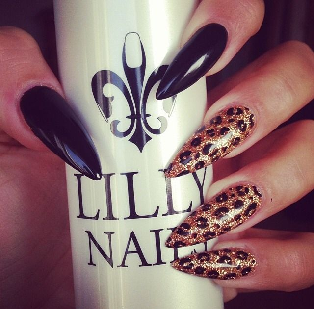 Hot stiletto nails with leopard design