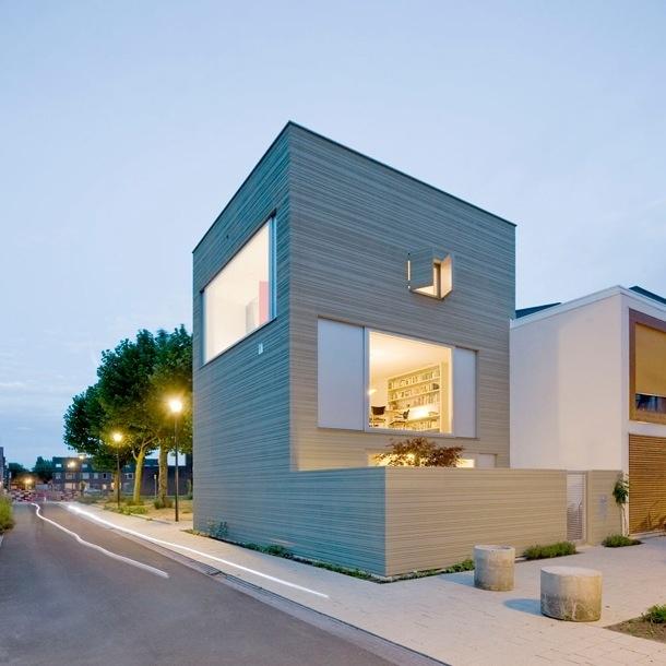 Stripe House Nieuw Leyden Van Gaaga Architecten: Abstracte Gevel
