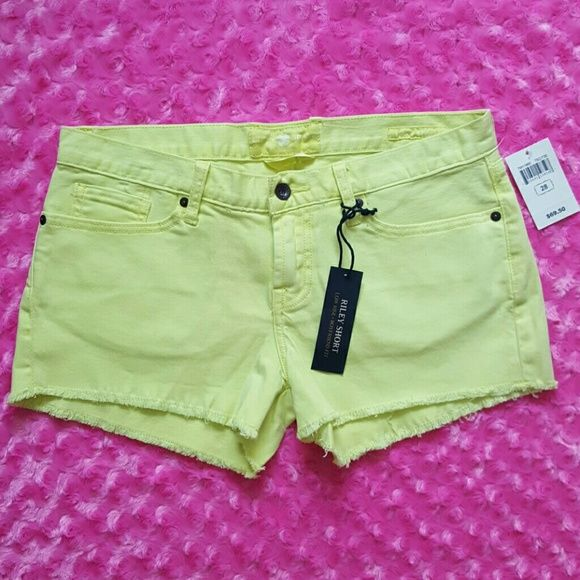Women yellow shorts size 6 Condition: new with tag  Please text with any questions.  Thanks for your visiting Have a good one! Lucky Brand Shorts Jean Shorts