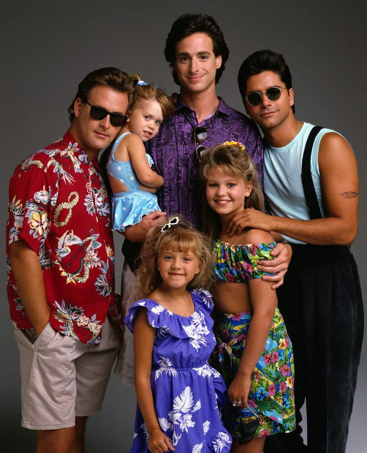 """Dave Coulier, Bob Saget, John Stamos, Candace Cameron, Jodie Sweetin, Mary-Kate and Ashley Olsen in """"Full House"""" (TV Series)"""
