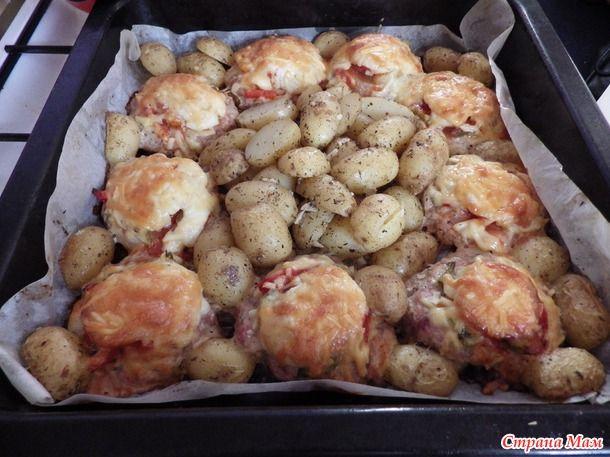 Д133. Котлетка с картошой в духовке. По мотивам Мяса по французски.