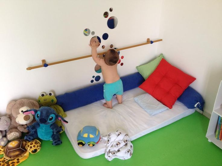 might have done this for this age if I had thought of it. quarto montessoriano ideias