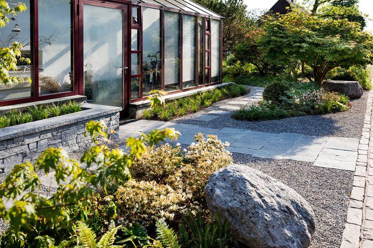 Asiatisch angehauchter Vorgarten - PARC'S Gartengestaltung