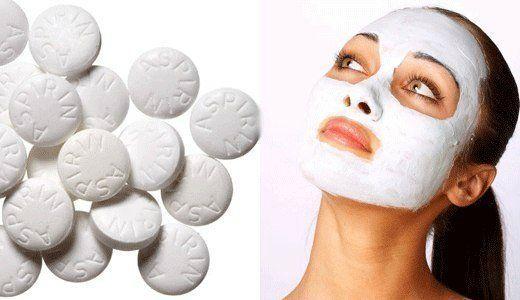 Аспириновая маска для лица – простейшее домашнее средство, позволяющее заметно улучшить состояние проблемной кожи. Приведенные ниже рецепты получили одобрение даже у профессиональных косметологов…