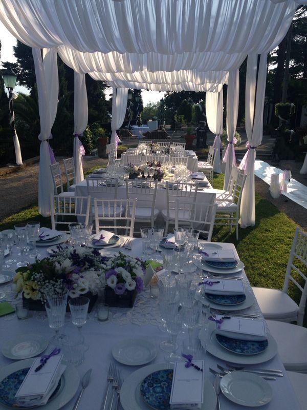 Matrimoni estivi. Nozze in villa del '700 ad Avellino in una magica atmosfera color lavanda.
