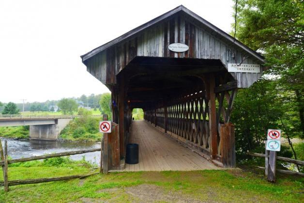 Pont couvert McVetty-McKerry, village de Gould, Canton de Lingwick, Qc