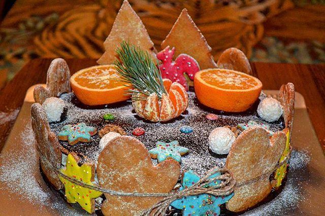 Новогодний пряничный торт