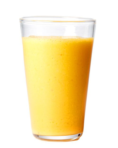 APPLE CARROT & GINGER SMOOTHIE Serves 2 Ingredients 1 cup fresh carrot juice 1 green apple, peeled, cored, and chopped 2 teaspoons freshly grated ginger 1 cup freshly squeezed orange juice 1 tablespoon honey Directions Freeze carrot juice in an ice cube tray. Combine with remaining ingredients in a blender, and blend until smooth.