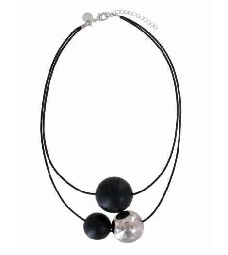 Collier en bois noir de AARIKKA, son design épuré et intemporel est superbe! L'équilibre est parfait pour une tenue élégante. www.sphere-bien-etre.fr