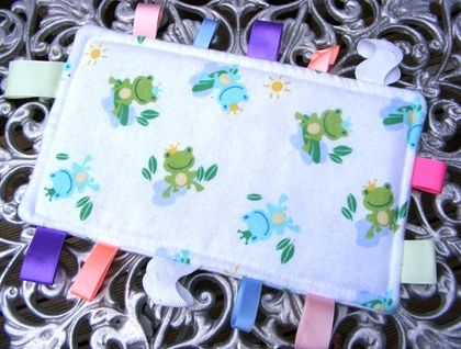 Baby & Toddler Tactile Comfort Bankets - White with Frogs