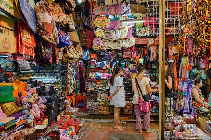 Hacer unas compras en el mercado ruso - Diez cosas que hacer en Phnom Penh