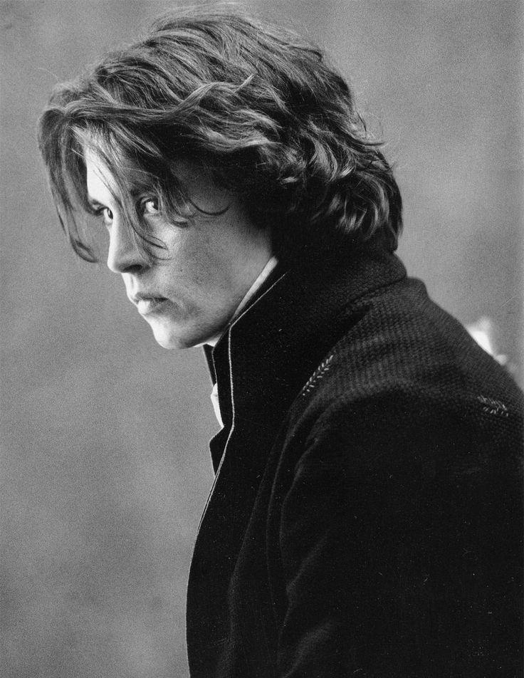 Johnny Depp in 'Sleepy Hollow' so <3 him