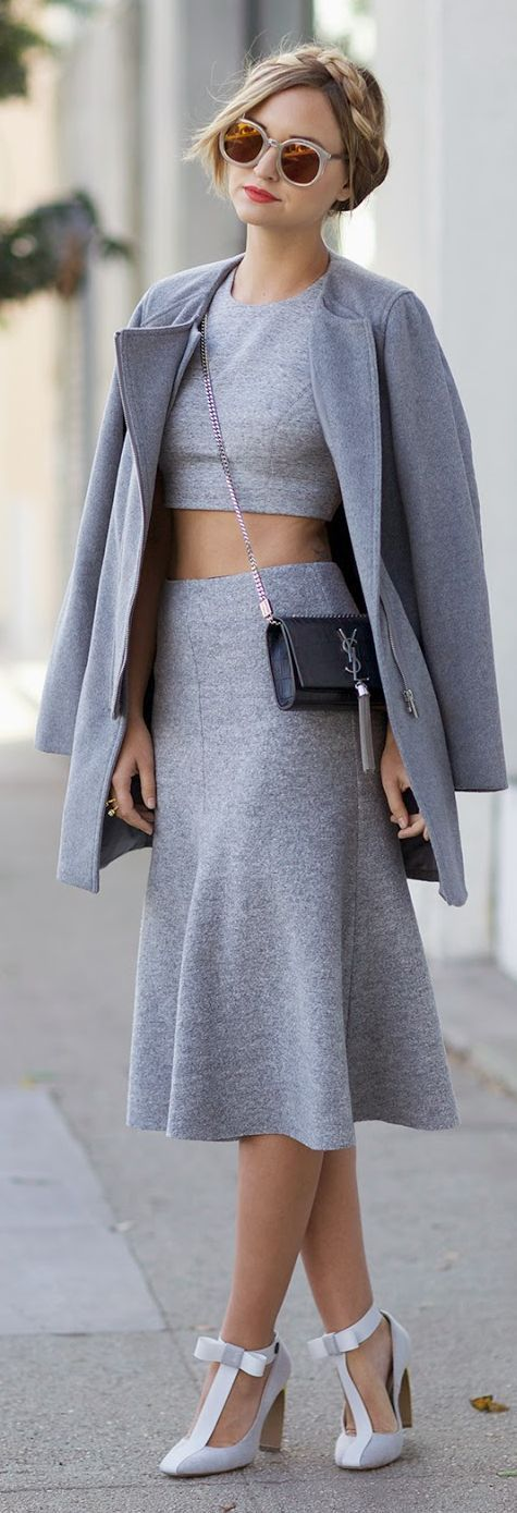 You wouldnt go wrong with colour block from head to toe