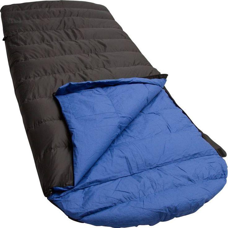 Lowland Outdoor - Dekenmodel slaapzak - Dons - 0 graden. De Ranger Comfort NC slaapzak een ideale keuze. De Ranger Comfort heeft een platte capuchon, katoenen binnenzijde en is op kniehoogte voorzien van een elastisch aantrekkoord, waardoor er extra warmte gecreëerd wordt. De Ranger Comfort is gevuld met 90% eendendons. De buitentijk is gemaakt van Diamond R/S Nylon en de binnentijk van zacht 100% Egyptisch katoen. €239,95