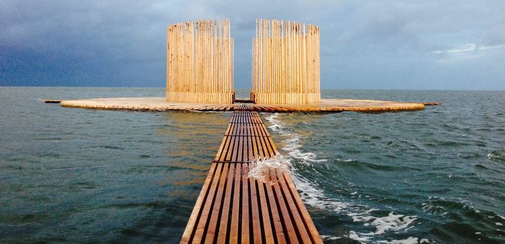 De Streken At the Noordsvaarder – in the northern part of The Netherlands – Marc van Vliet built an installation that changes with the tide, revealing different aspects of the landscape.