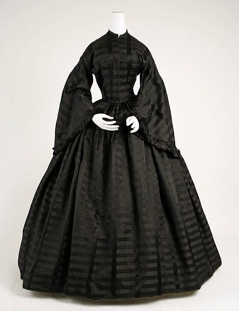 1885: Gorgeously gothy mourning attire from 1815-1915   Dangerous Minds