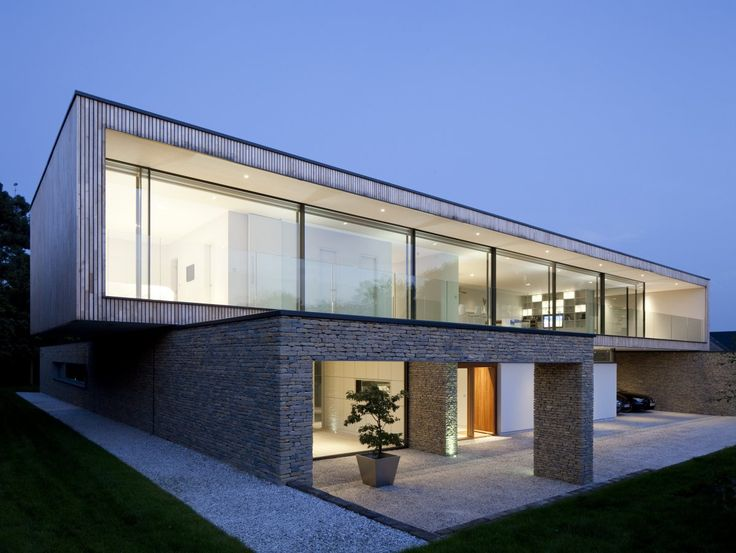 Hurst House Located Near The Village Of Bourne End In Buckinghamshire England Is A One Off Contemporary Designed By John Pardey Architects