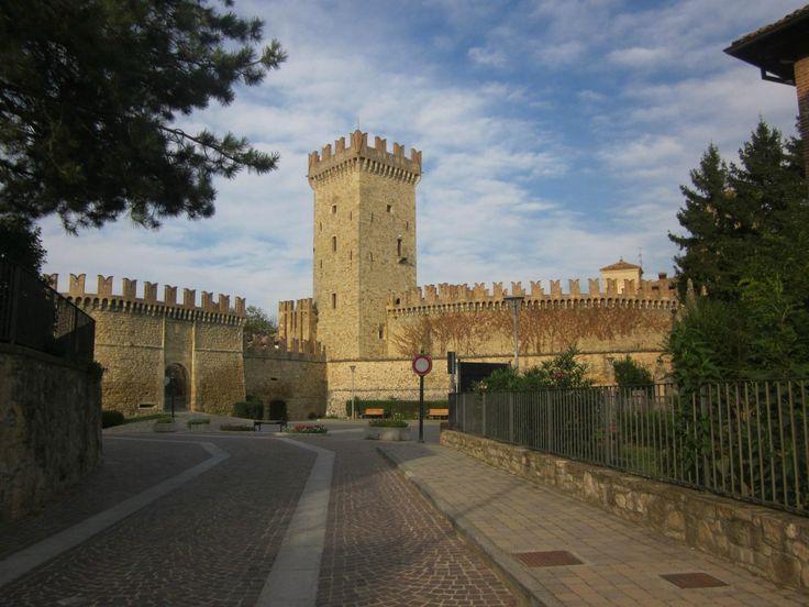 **Castello di Vigoleno (ancient castle and village) - Italy): Top Tips Before You Go - TripAdvisor