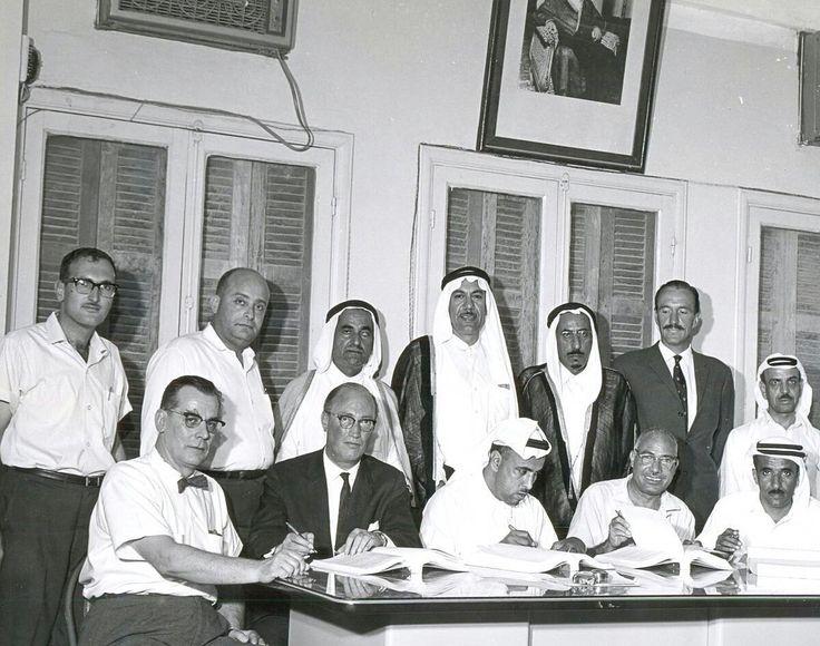الشيخ حمد المبارك يشرف على تأسيس أول شبكة صرف بـ #الدمام و #الخبر Shaikh Hamad AlMubarak reviewing the public sewage system in AlKhobar AlDammam